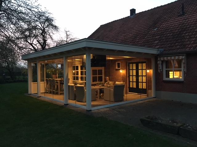 Luxe veranda met glazen schuifwanden te Denekamp2