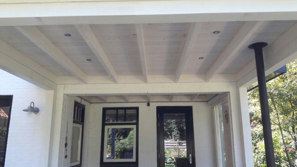 Klassieke veranda met hekwerk te Ermelo-004