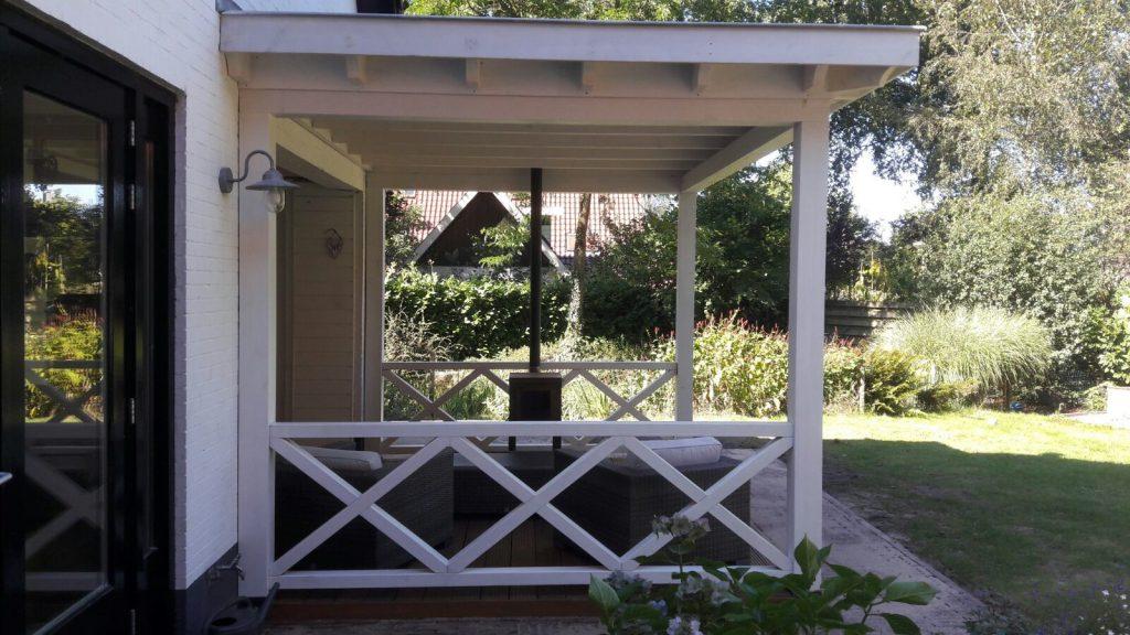 Klassieke veranda met hekwerk te Ermelo-005