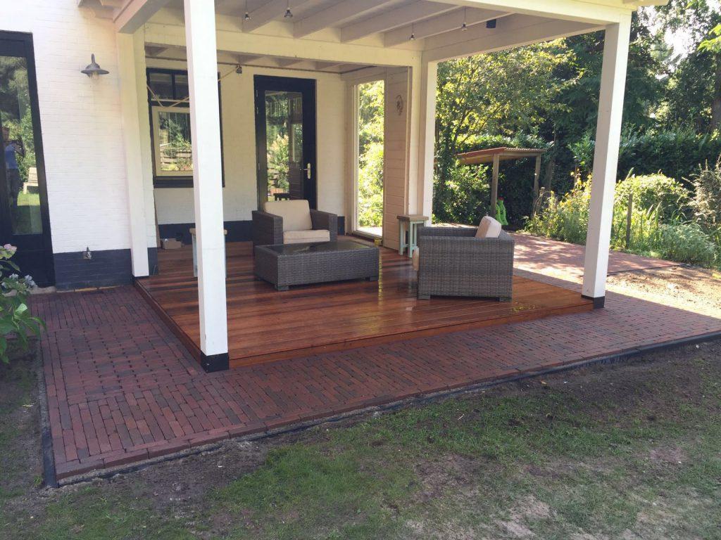 Klassieke veranda met hekwerk te Ermelo-009