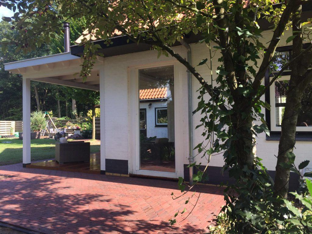 Klassieke veranda met hekwerk te Ermelo-011