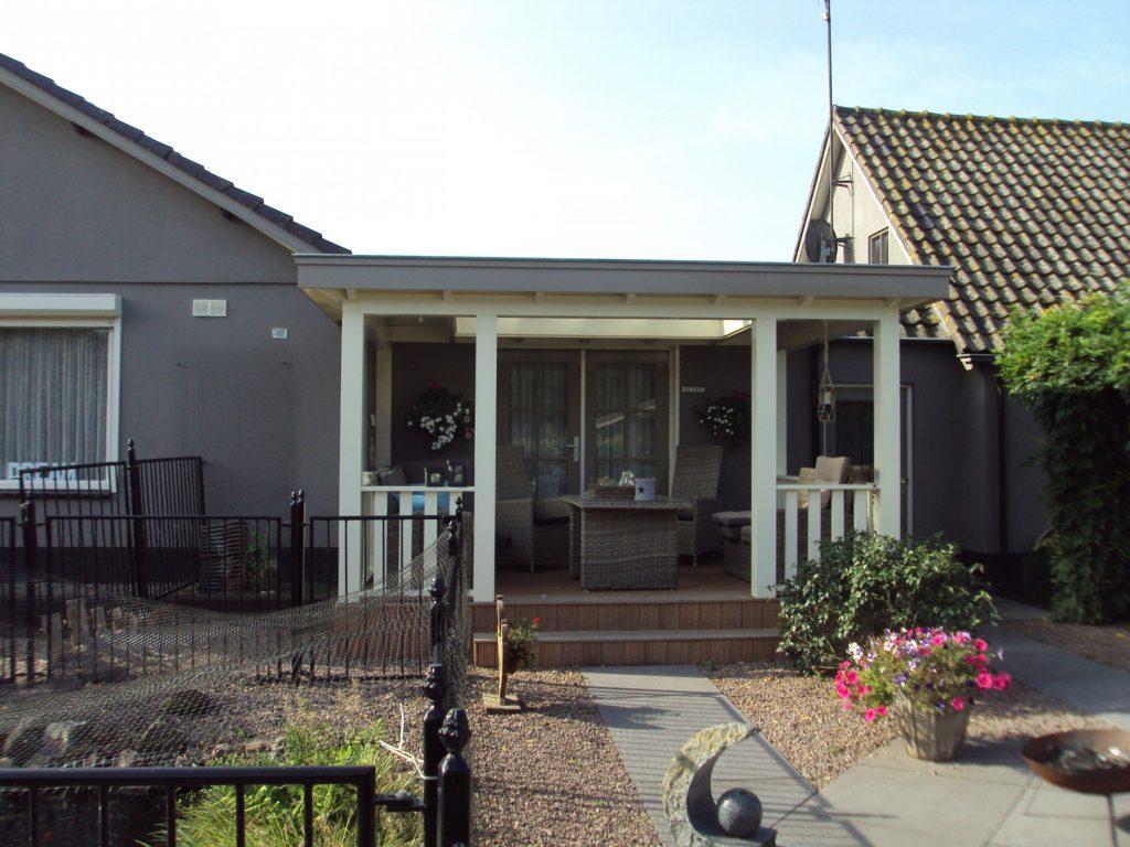 Klassieke veranda met vlonder te Scherpenzeel-010