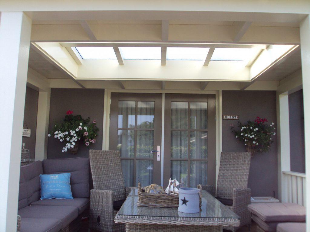 Klassieke veranda met vlonder te Scherpenzeel-003