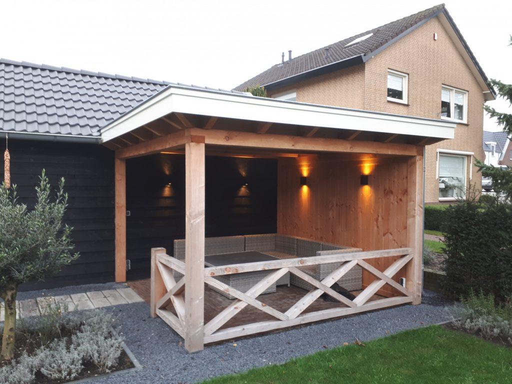 Landelijke schuur en veranda met hekwerk te Achterberg-003