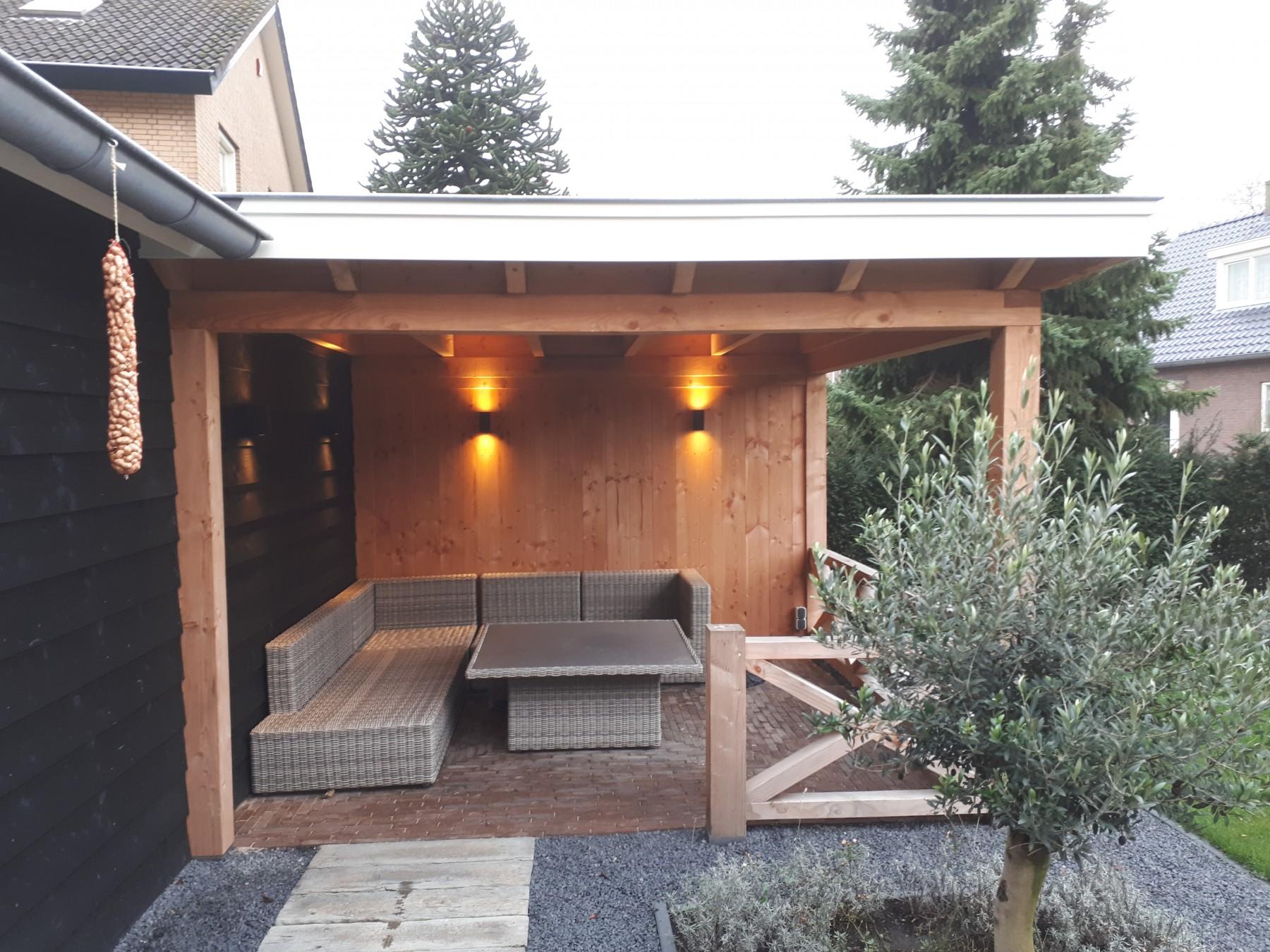 Landelijke schuur en veranda met hekwerk te Achterberg-005