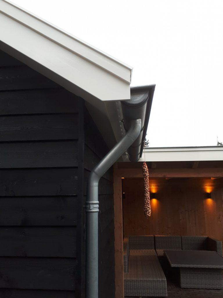 Landelijke schuur en veranda met hekwerk te Achterberg-007