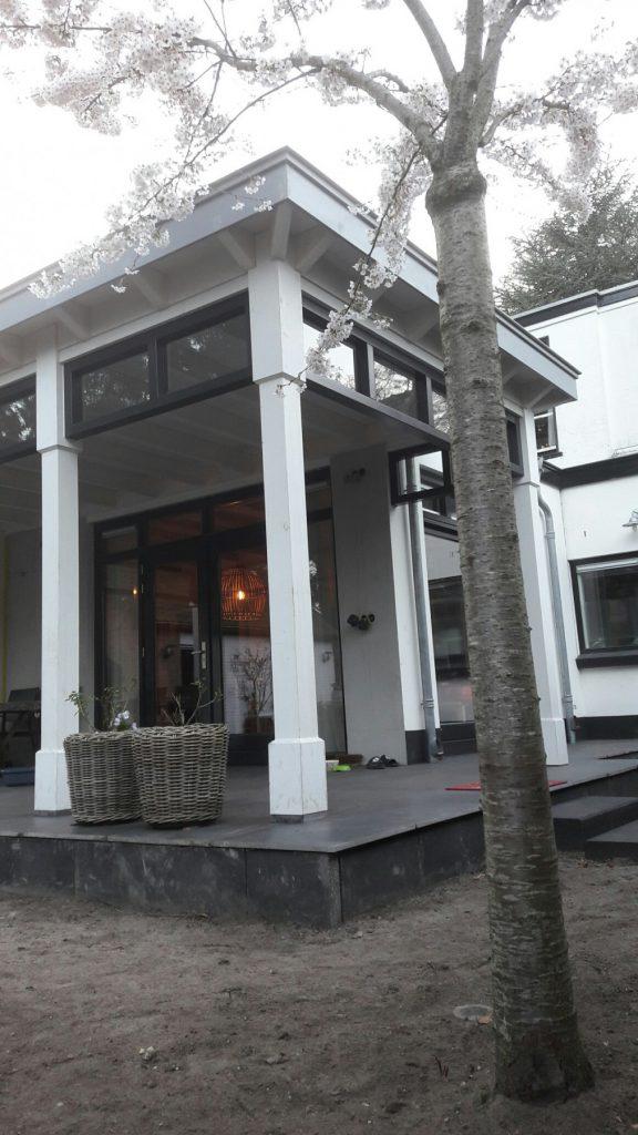 Moderne veranda met bovenramen te Apeldoorn-002