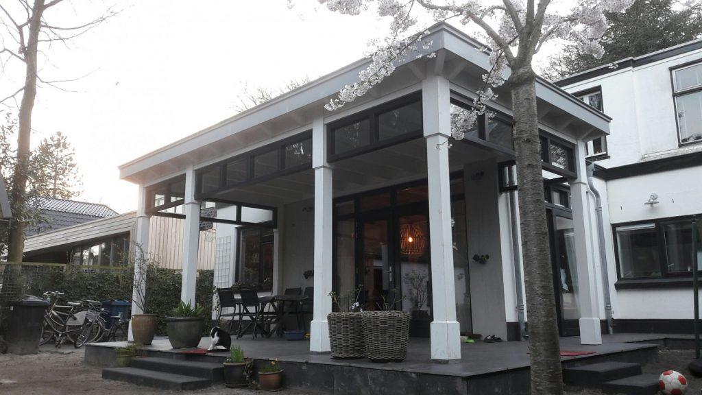 Moderne veranda met bovenramen te Apeldoorn-003