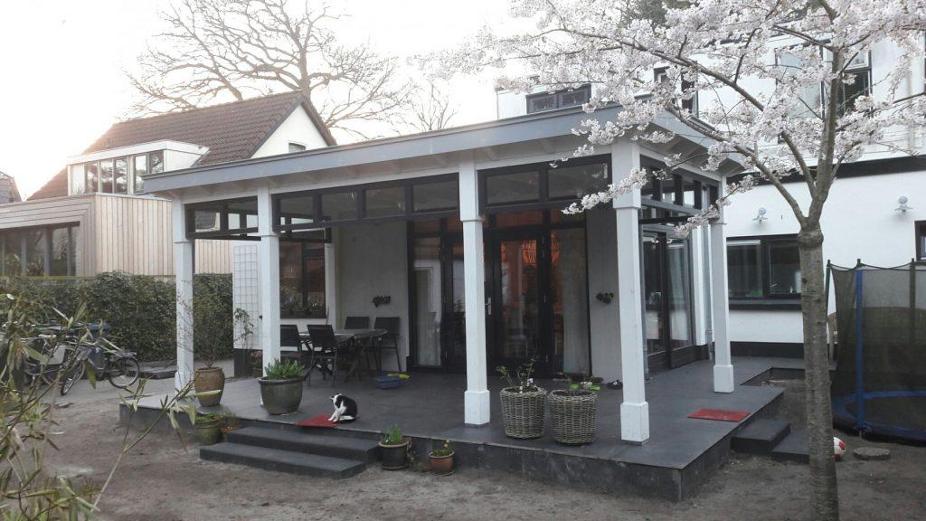 Moderne veranda met bovenramen te Apeldoorn-004