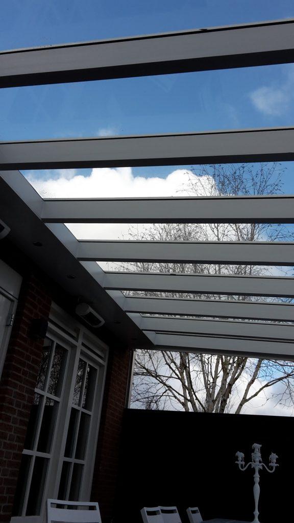Moderne veranda met glazen dak te Den Haag-012