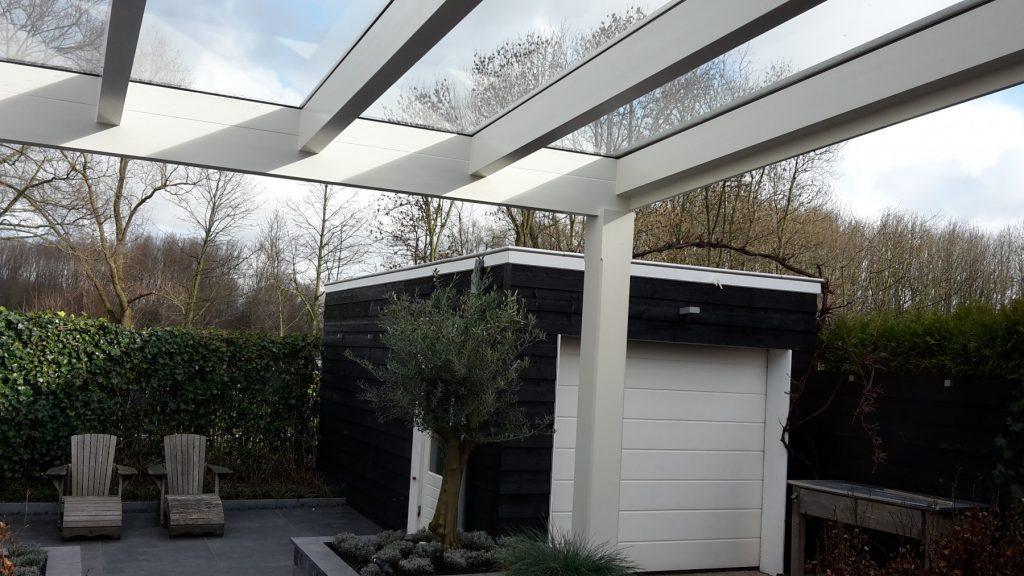 Moderne veranda met glazen dak te Den Haag-015