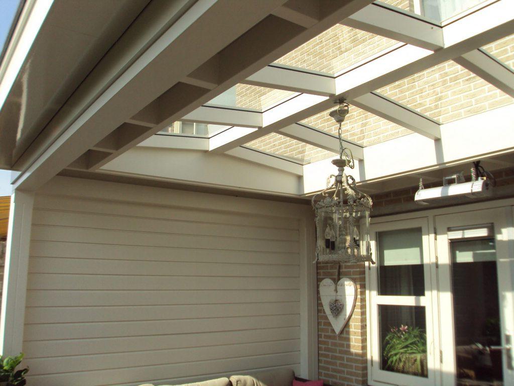 Moderne veranda met lichtstraat te Barneveld-001