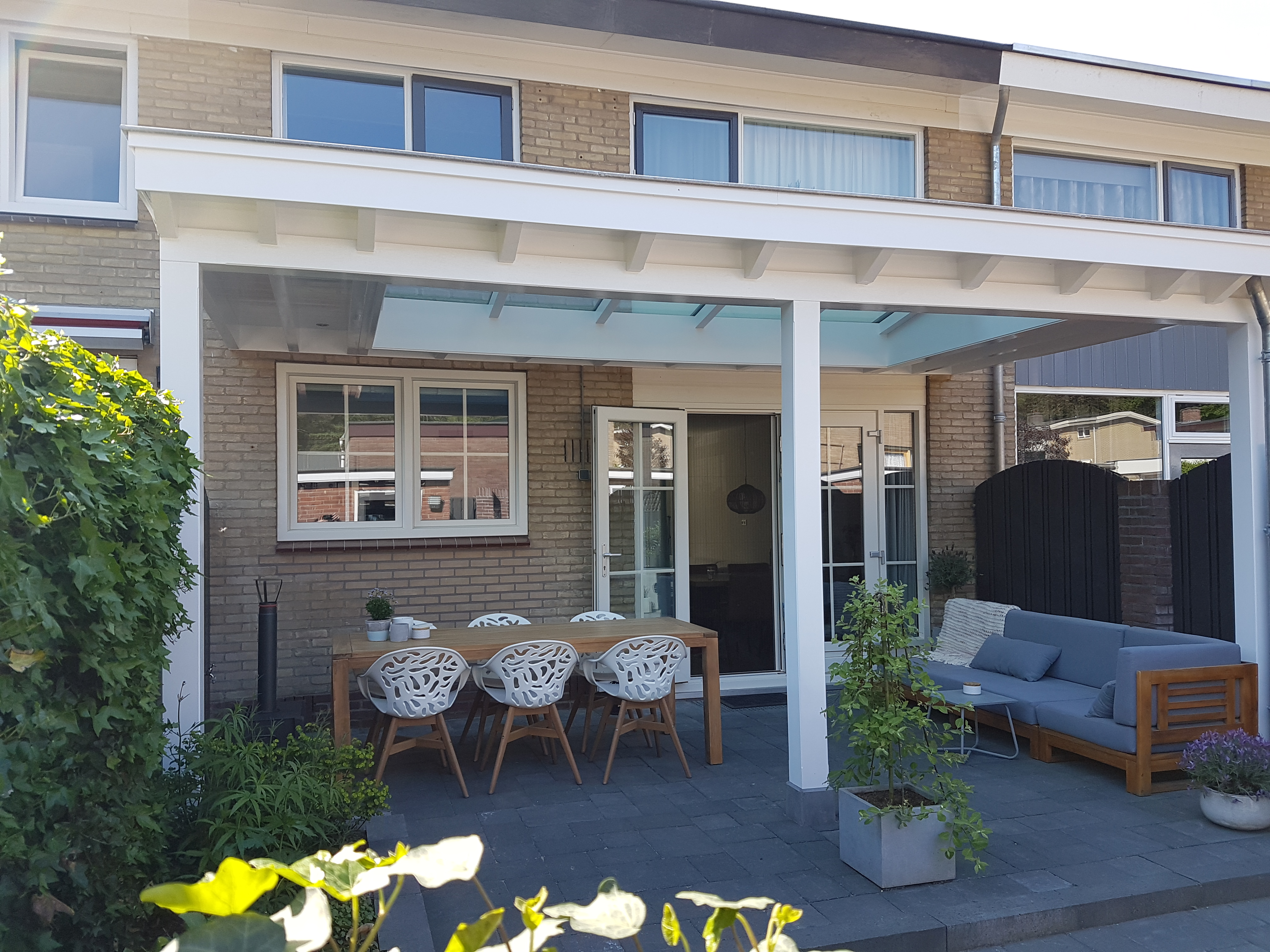 Moderne veranda met lichtstraat in Ede5