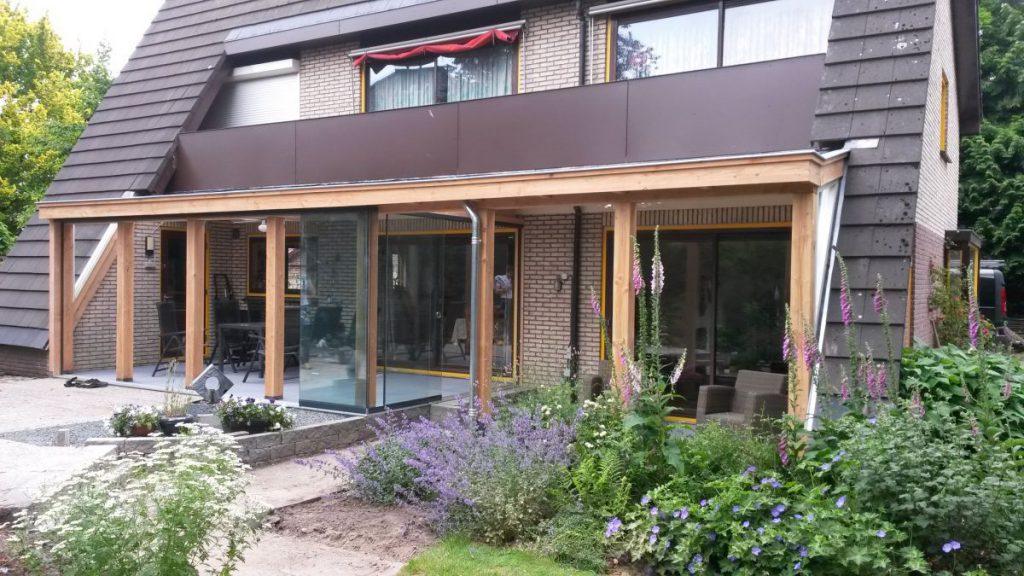 Exclusieve serre van glas gecombineerd met een veranda-001