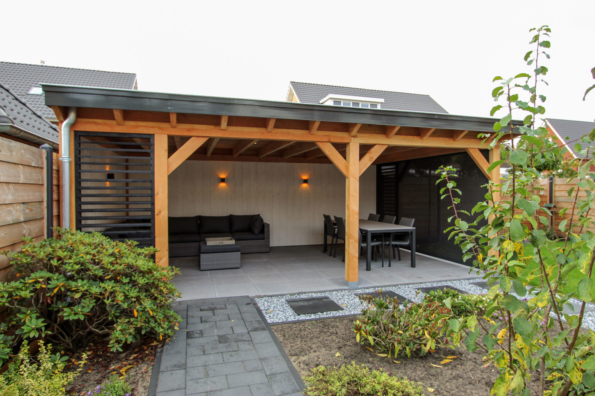 Luxe veranda in een landelijke stijl